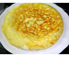 Tortilla de coliflor con ajos tiernos