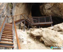 Visita a la Cueva-sima de la Serreta